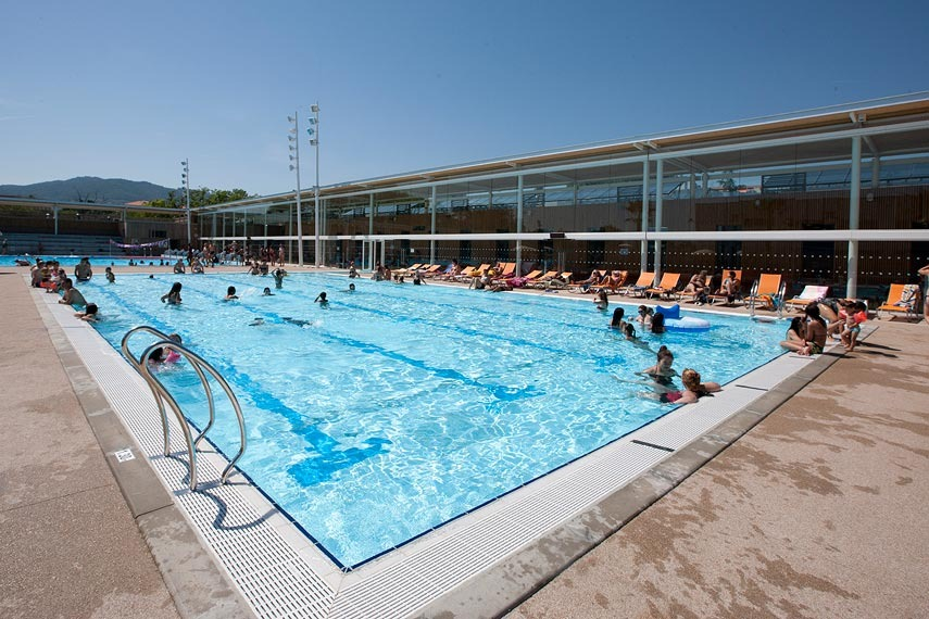 public swimming pool villa les palmes cannes