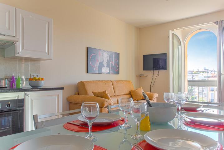 Appartamenti in affitto a cannes villa les palmes for Appartamenti in affitto non arredati